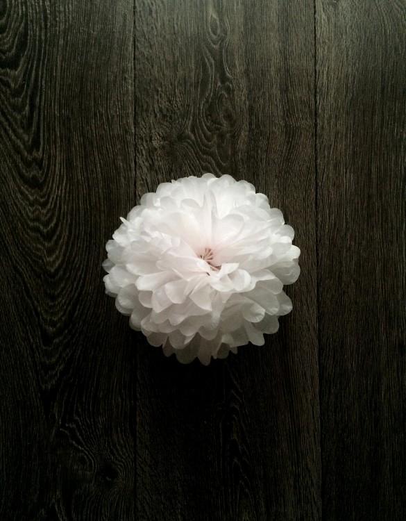 Cukrowy Butik_Papierowy pompon biały