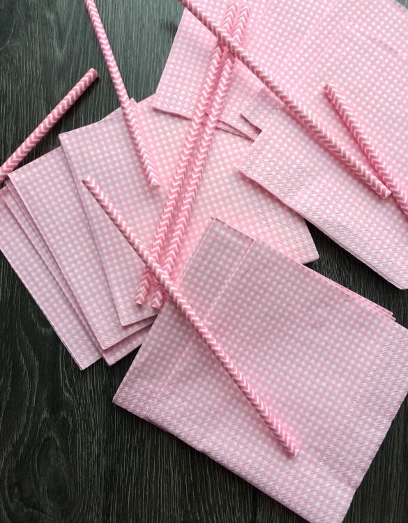 Cukrowy Butik_Serwetki różowe w kratkę